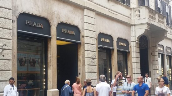 promo code 0275a 348af Loja da Prada - Bilde av Via Condotti i Roma - TripAdvisor