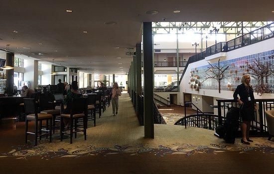 Sheraton Grand Sacramento Hotel Bar And Restaurant Down Stairs