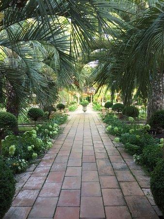Les Pres d'Eugenie : Jardines