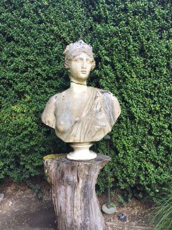 Les Pres d'Eugenie : Esculturas en los jardines