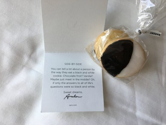 Archer Hotel New York: Turndown treats