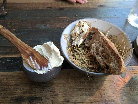 Höst: Sourdough bread and homemade butter