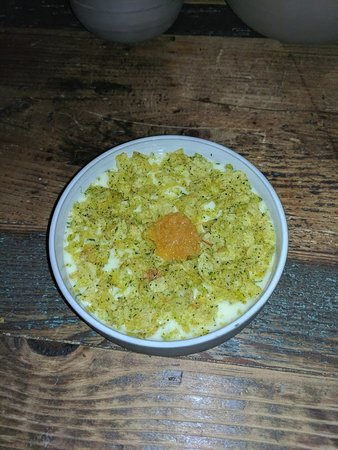 Höst: Surprise appetizer (mashed potatoes covered in crumbled potato chips with fish roe)
