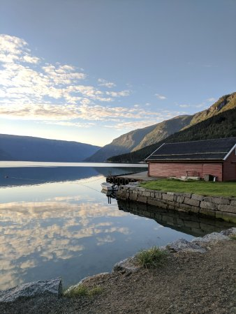Solvorn, Norge: Sunrise view from the front of the hotel