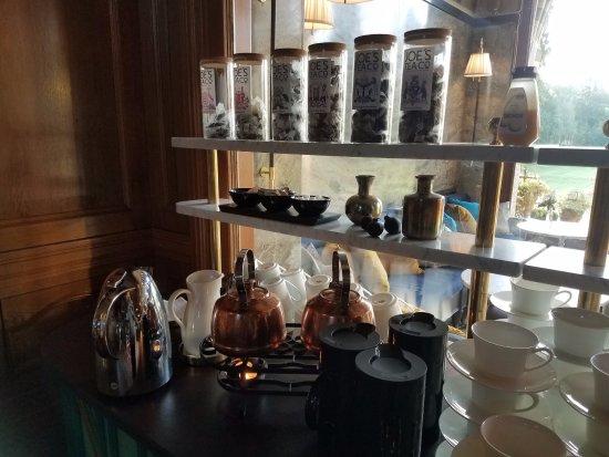 Bjertorp Slott: Tea Station