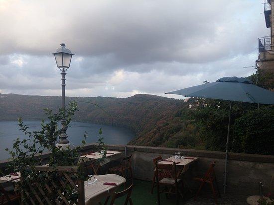 Terrazza sul lago - Picture of La Cruna Del Lago, Castel Gandolfo ...