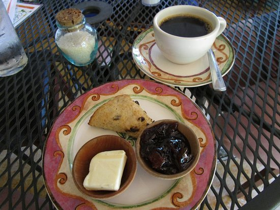 Cafe Botanica: Currant Scone with butter and marmalade, organic coffee
