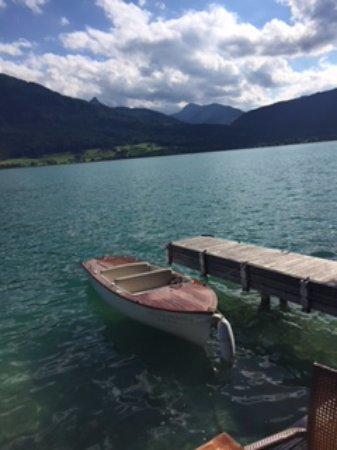 Landhaus zu Appesbach: The electric boat is fun to putter about the lake