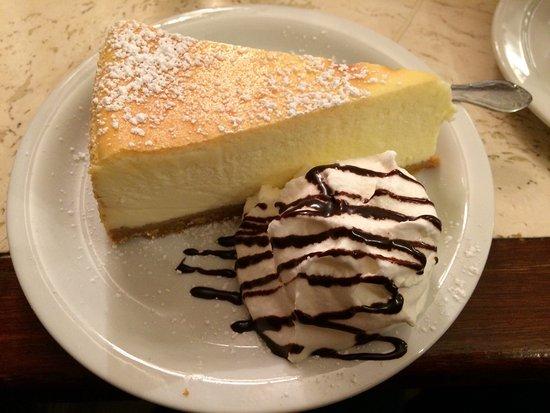 Ferrara Bakery & Cafe: photo2.jpg