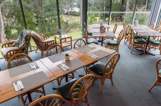 Gipsy Point, Australia: Dining area with river views