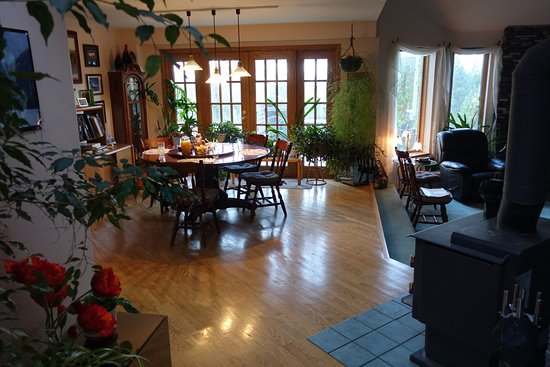 Mountainview Bed and Breakfast: Breakfast area