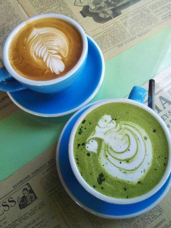 Chrome Coffee Lounge: Mocha and latte