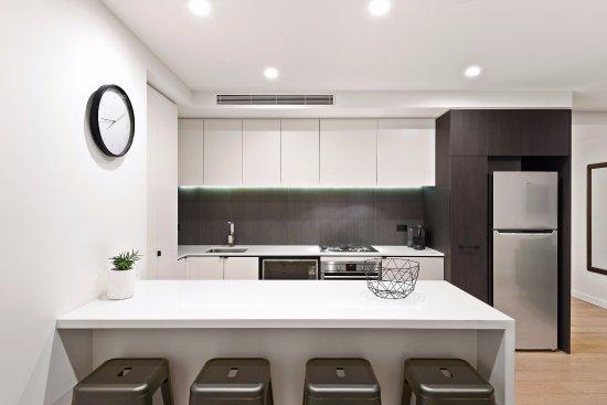 Yarra, Australia: 3 Bedroom Deluxe Apartment