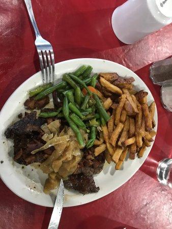 Patricia Inn Family Restaurant: photo3.jpg