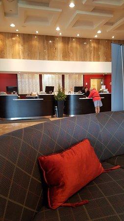 Best Western Plus Waterfront Hotel: front desk