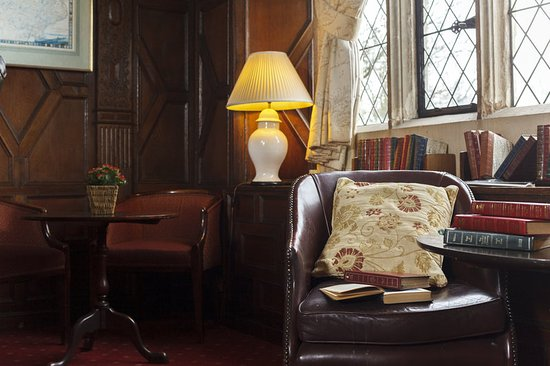 Eastwell Manor: The Manor Lounge