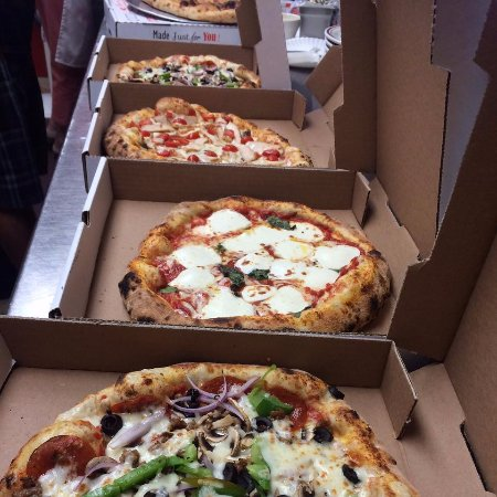 Bay City, MI: Tuesday & Wednesday get $2 0ff second pizza