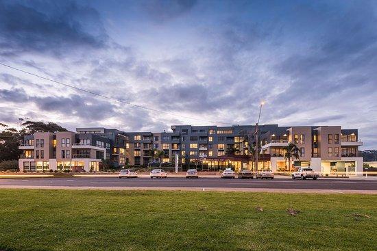 Hotel Exterior Picture Of Esplanade Resort Spa Lakes Entrance