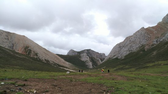 Diebu County, China: Highest point of the loop trail. Someone said 3800m altitude.