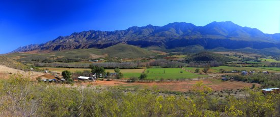 Oudtshoorn, South Africa: The beautiful valley where we are situated