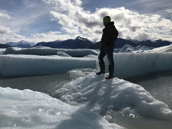 Palmer, AK: Hopping around on the iceburg field surrounding the Knick glacier