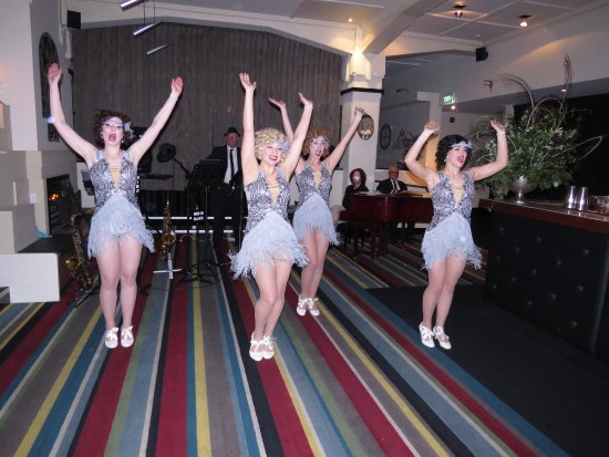 Art Deco Masonic Hotel: Entertainment at our function at the Art Deco Maisonic Hotel