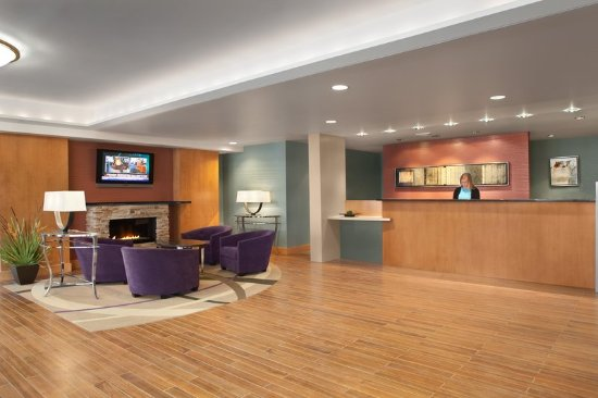 Fairlawn, OH: Hotel Lobby