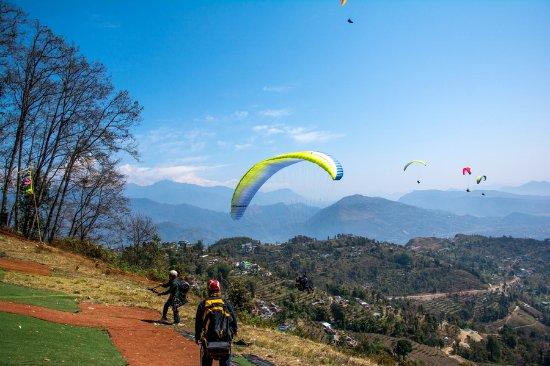 Pokhara, Nepal: Paragliding in Pokhar