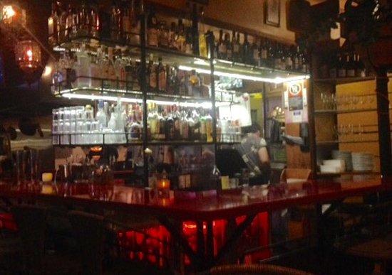 Cremorne, Australia: The bar