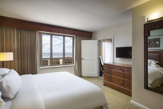 Grand Waikikian by Hilton Grand Vacations: One Bedroom King Oceanview Master