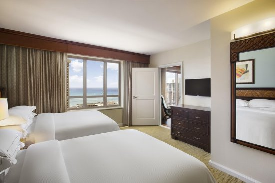 Grand Waikikian by Hilton Grand Vacations: Ocean View Double Beds