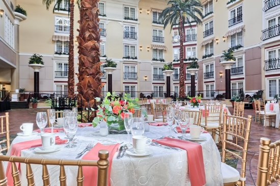DoubleTree Resort by Hilton Hotel Lancaster: Palm Court Wedding