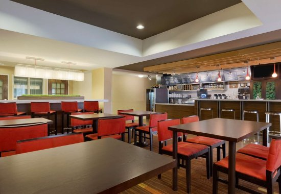 The Woodlands, TX: The Bistro Lounge