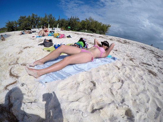 Pereybere: Gabrielle island sunbathing
