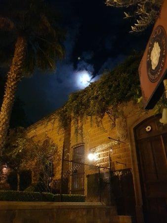Hotel Sautto: Luna hermosa