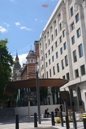 Hotels Near Victoria Embankment