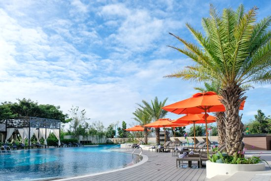Crimson resort and spa mactan updated 2018 prices reviews photos cebu island mactan for Cheap hotels in cebu with swimming pool