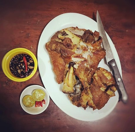 Mamburao, Филиппины: Crispylicious Crispy Pata