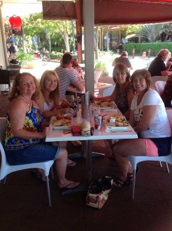 Bargara, Αυστραλία: Lunch with friends