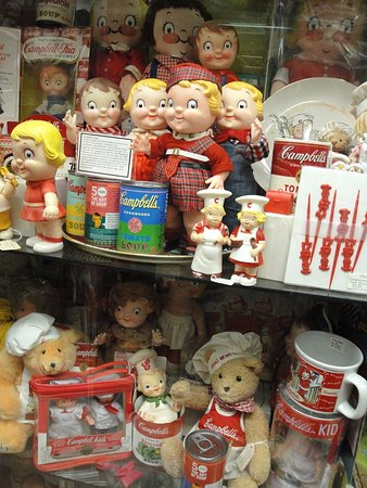 Cheshire, CT: The Campbell Soup collection