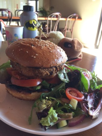 Singleton, Австралия: The veggie burger with Kim Chi
