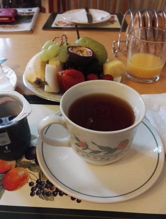 Swan Lake Guest House: Great to start your day with an abundant and healthy breakfast!