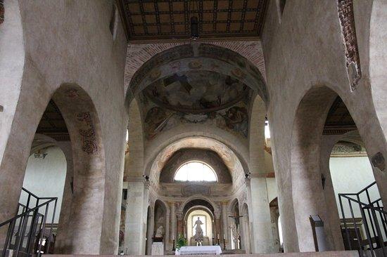 Interno Chiesa di Santo Stefano
