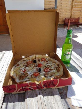 Lagarrigue, França: menu du midi pizza kebab et boisson pour 10 euros, sa change du fast food classique !!!☺