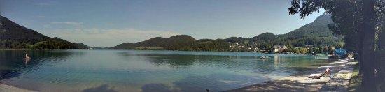 Fuschl am See, Austria: Вид на озеро с пляжа