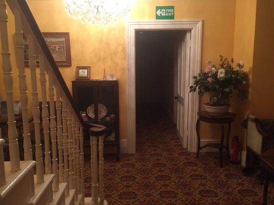 Southwick, UK: Hallway