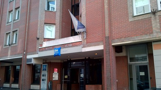 Ibis Budget Lille Centre: Entrée de l'hôtel