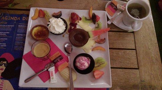 Tresserve, France: le café très très gourmand