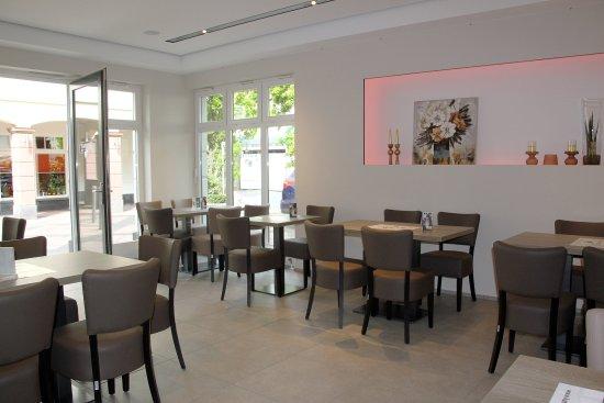 Obertshausen, Alemanha: Kaffee K mit einem offenen Nebenraum - z.B. für Veranstaltungen