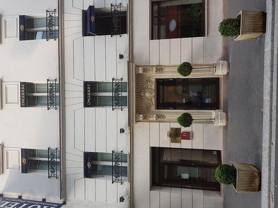 Hotel Montparnasse Daguerre : 20170827_183522_large.jpg